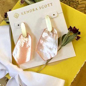 Kendra Scott Camila Gold Drop Earrings Peach Pearl